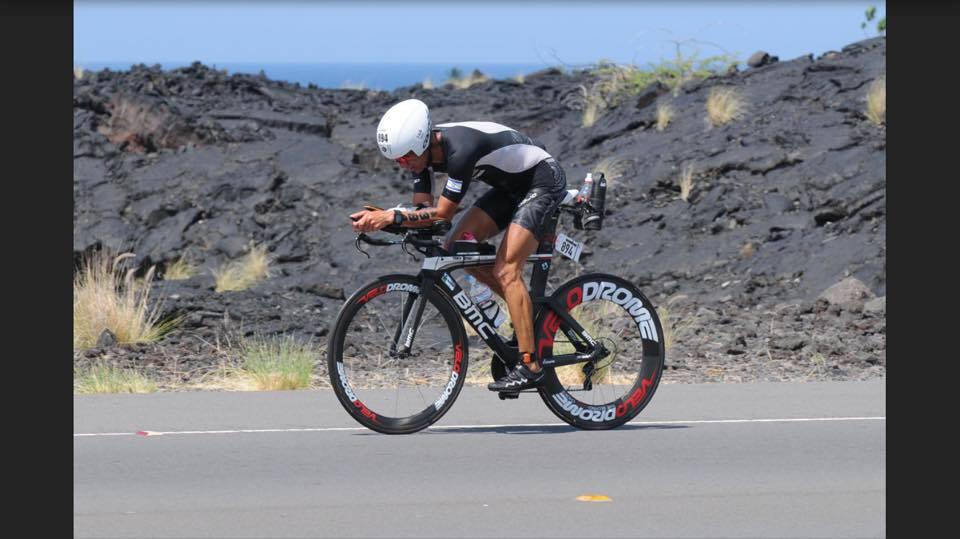 אוקטובר 2017. אמיר בכר סיים את איירונמן הוואי בזמן של 10 שעות ו 38 דקות על גלגלי ולודרום